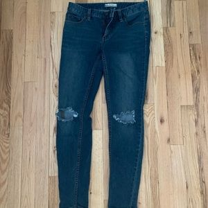 FREE PEOPLE Skinny Ripped Jeans